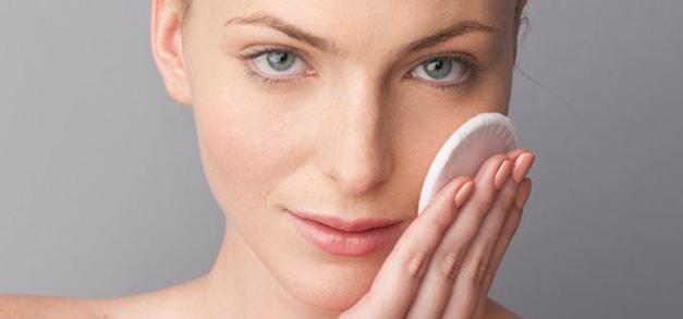 Poros dilatados: confira 4 truques para disfarçar